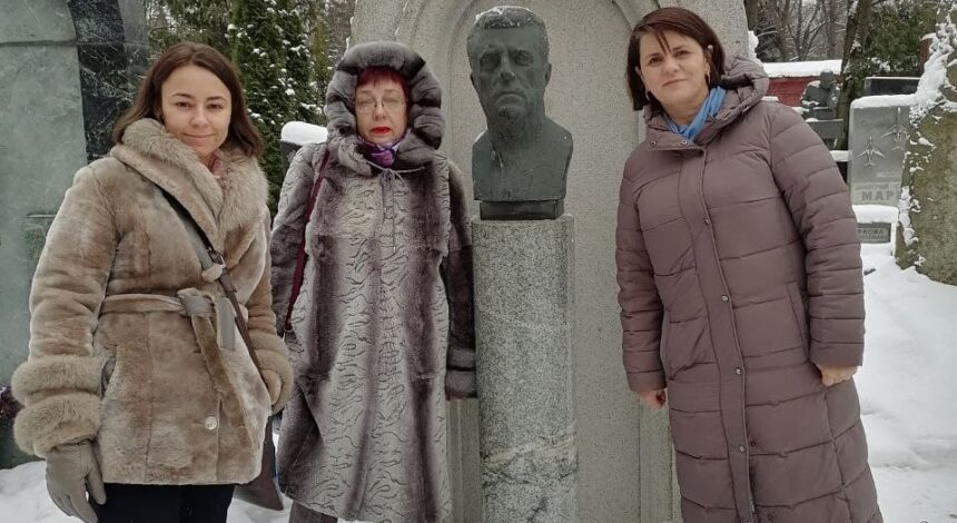 6 января  почтили   память  выдающегося   композитора на Новодевичьем  кладбище г.Москвы.